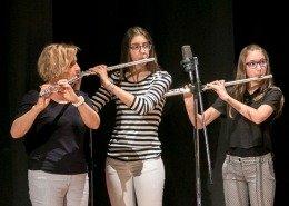0158 - Le flautiste dell'Associazione accompagnano il coro