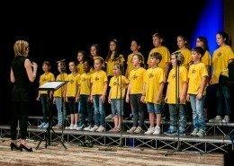0381 - Coro Sidoréla e Medi diretti da Nadia Olivo nel medley dei Beetles